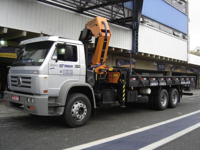 Guindaste articulado - capacidade 35 toneldas métricas - Munck